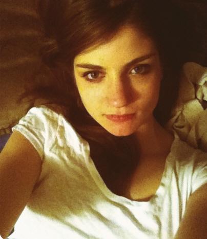 Abby elliott dating